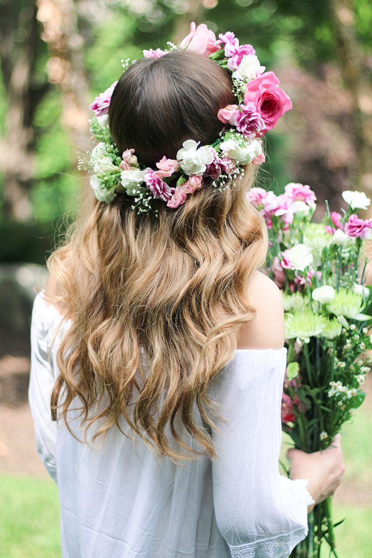 DIY Real Flower Crown, Super easy and perfect for weddings, festivals, parties, fairy party, flower girl, and more! Daily Dose of Charm