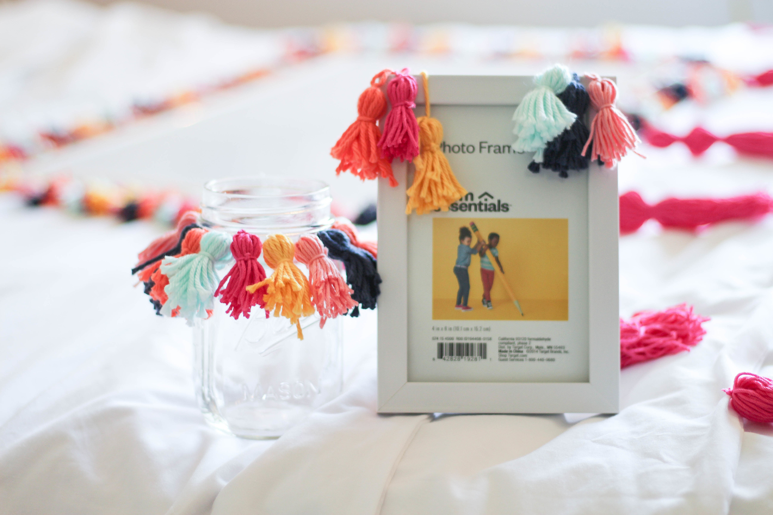 DIY Tassel picture frame and crafts Tassel decor for dorm room by lauren lindmark on daily dose of charm