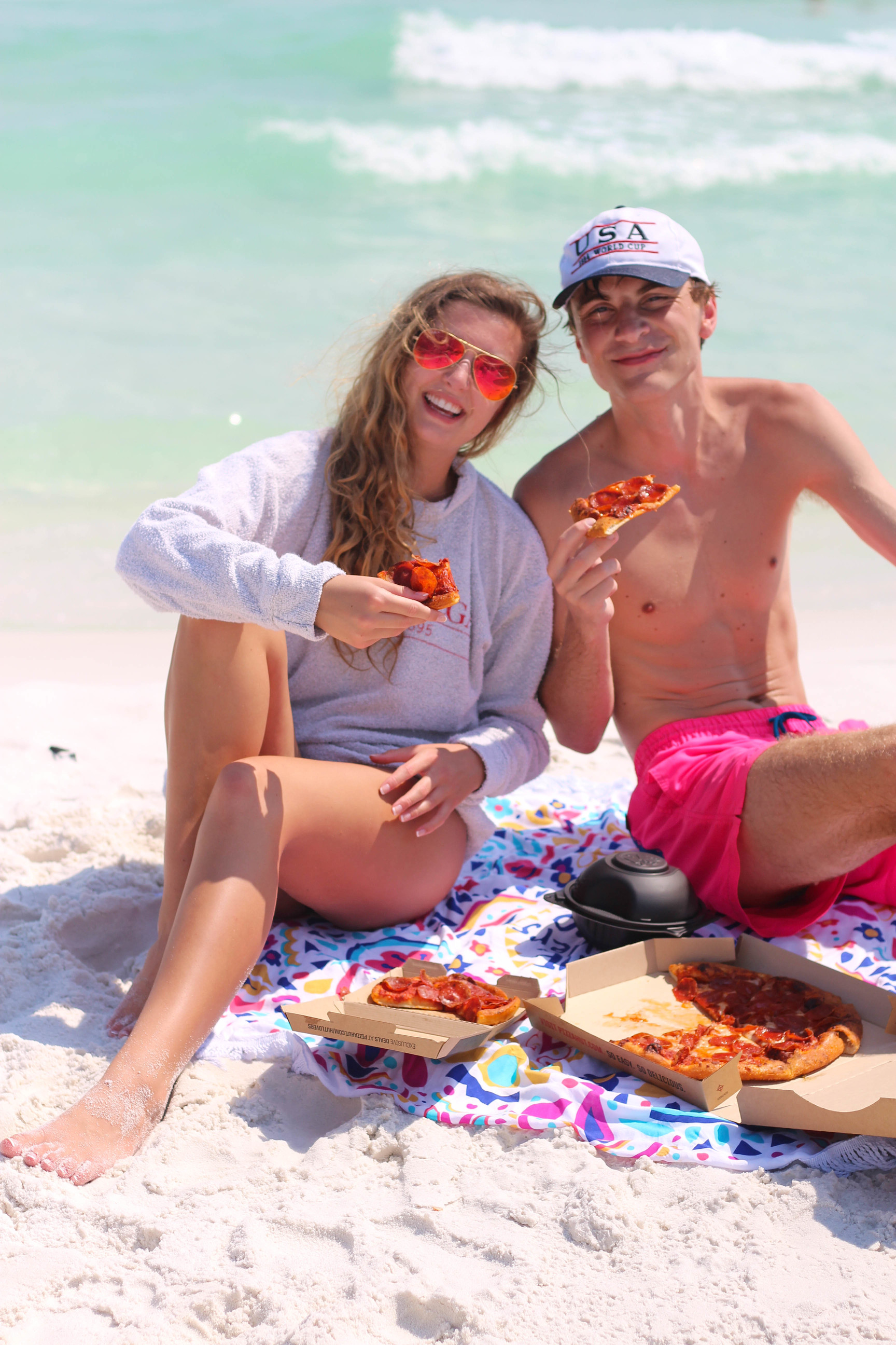Pizza Hut Beach Picnic with my boyfriend, beach pictures, couple goals, cute couple by lauren lindmark on daily dose of charm