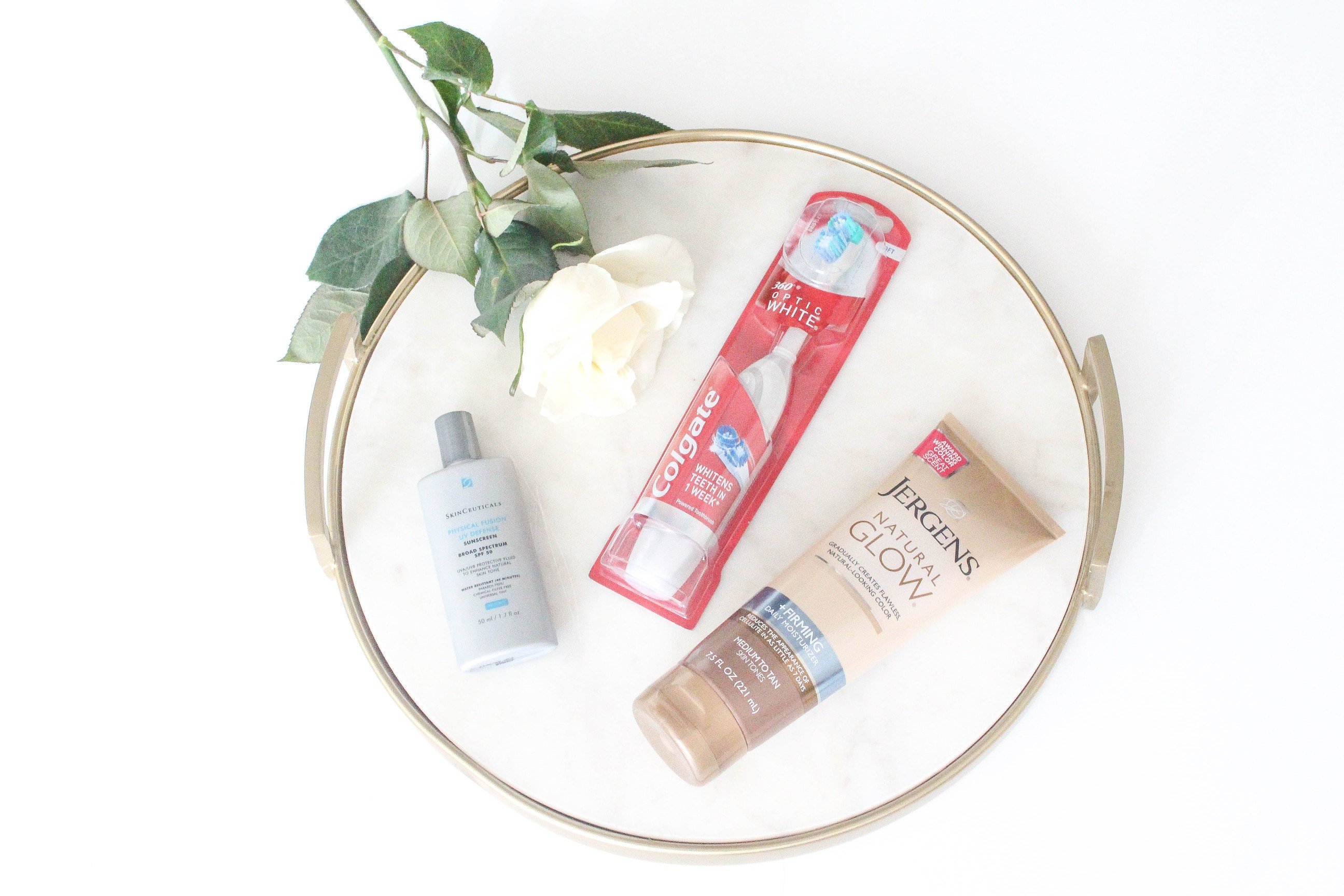 Travel Beauty Essentials by Lauren Lindmark dailydoseofcharm.com daily dose of charm