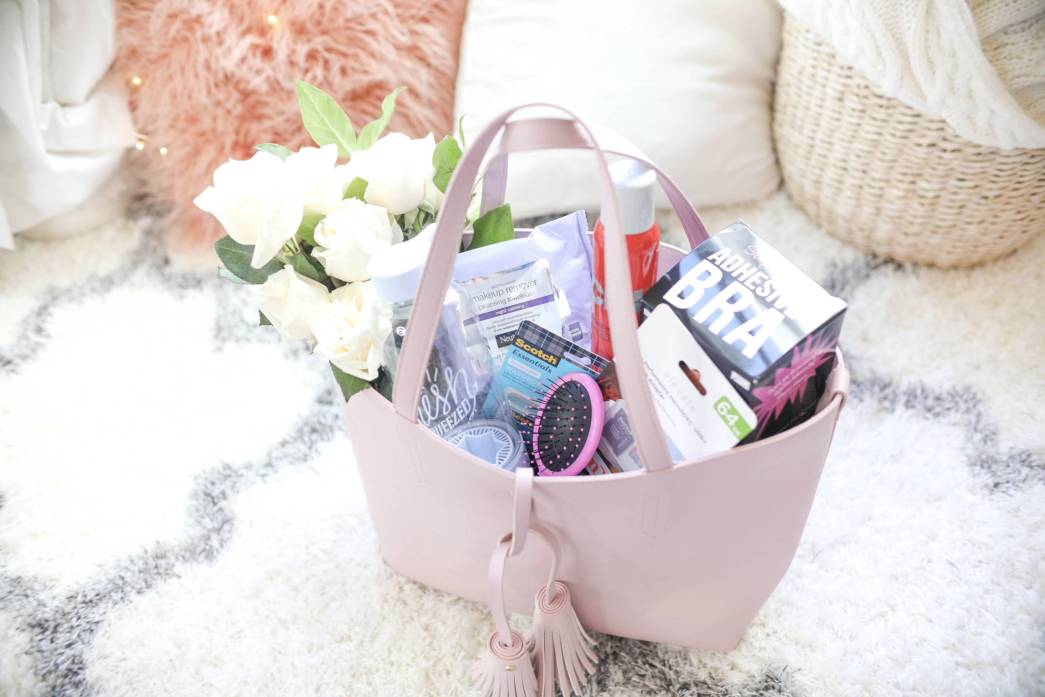 What to bring to a photoshoot or a blog shoot! All the necessities, including extra memory cards, a hair brush, sticky boobs, and more! By Lauren Lindmark on dailydoseofcharm.com daily dose of charm