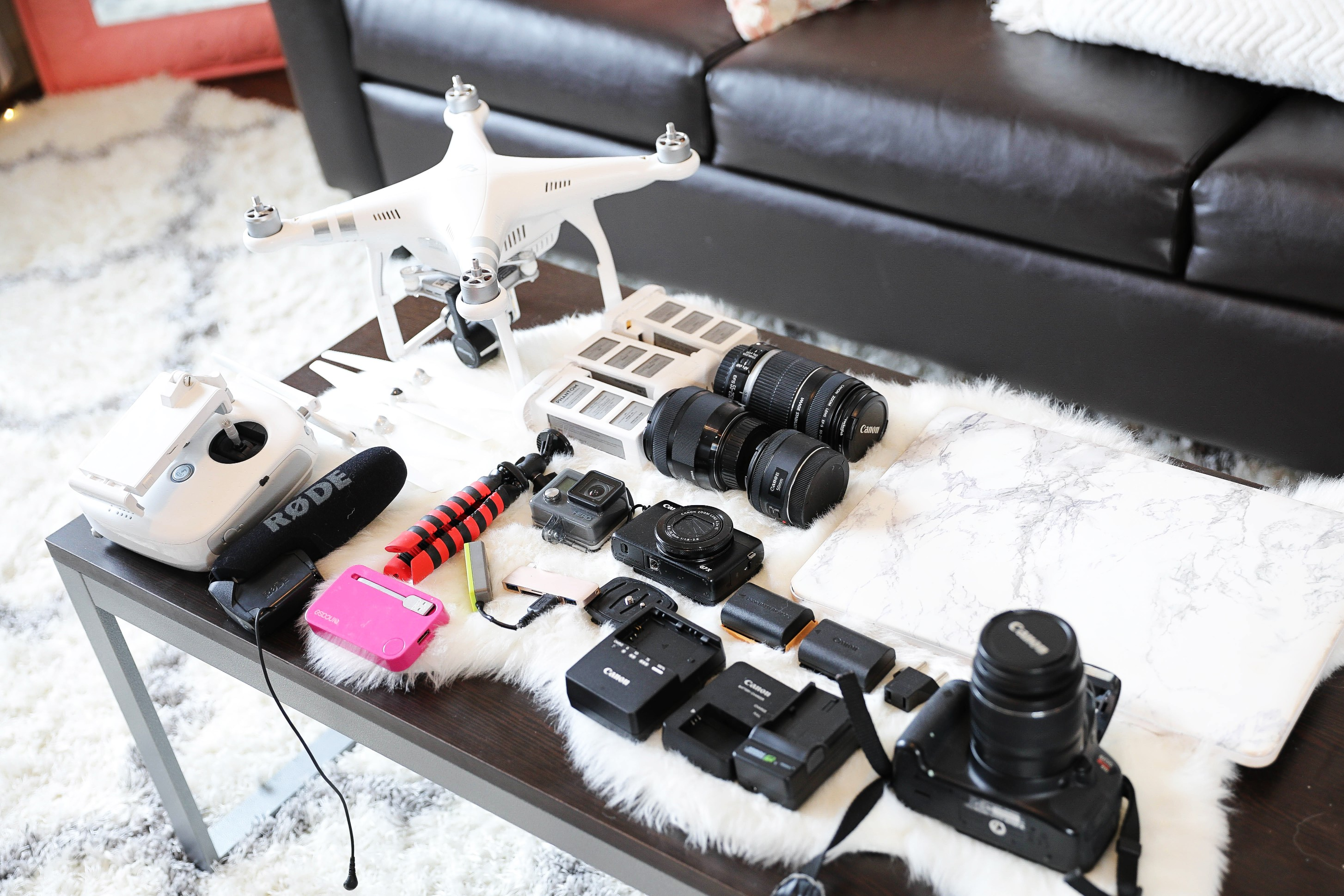 What's In My Camera Bag! As a blogger, one of the most important parts of creating contents is beautiful photos and videos! I love researching camera gear and I have collected quite a bit. Canon 5D Mark IV and accessories! By Lauren Lindmark on dailydoseofcharm.com daily dose of charm