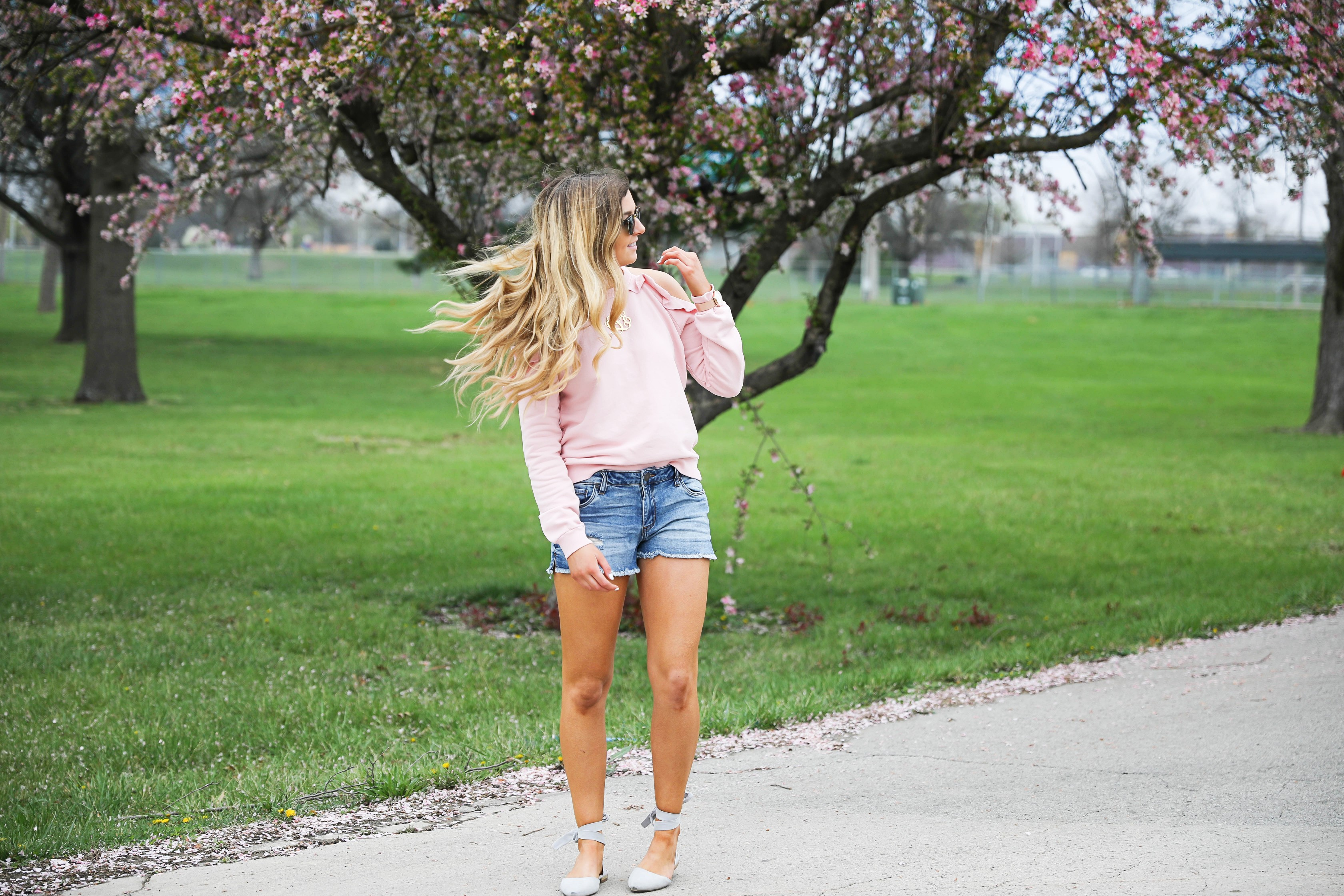 The perfect spring outfit! I love this light pink cold shoulder ruffle top. SO many spring trends in one outfit! Fashion blog by Lauren Lindmark Daily Dose of Charm dailydoseofcharm.com