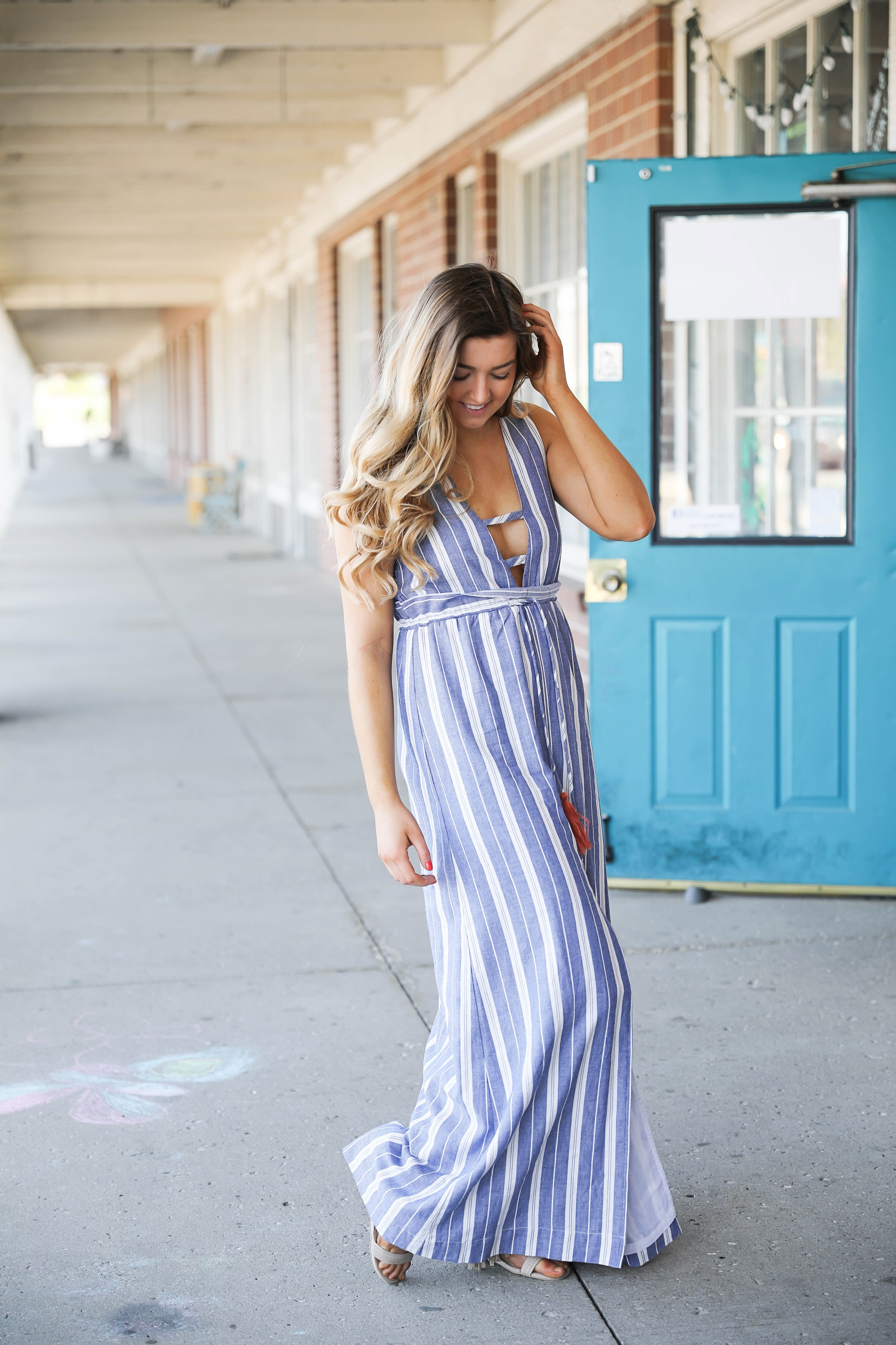 How cute is this Nautical Striped Tassel Dress? I have been loving dresses for spring and summer and this one is one of my favorites! Perfect for boating or days by the beach. By Lauren Lindmark on daily dose of charm dailydoseofcharm.com