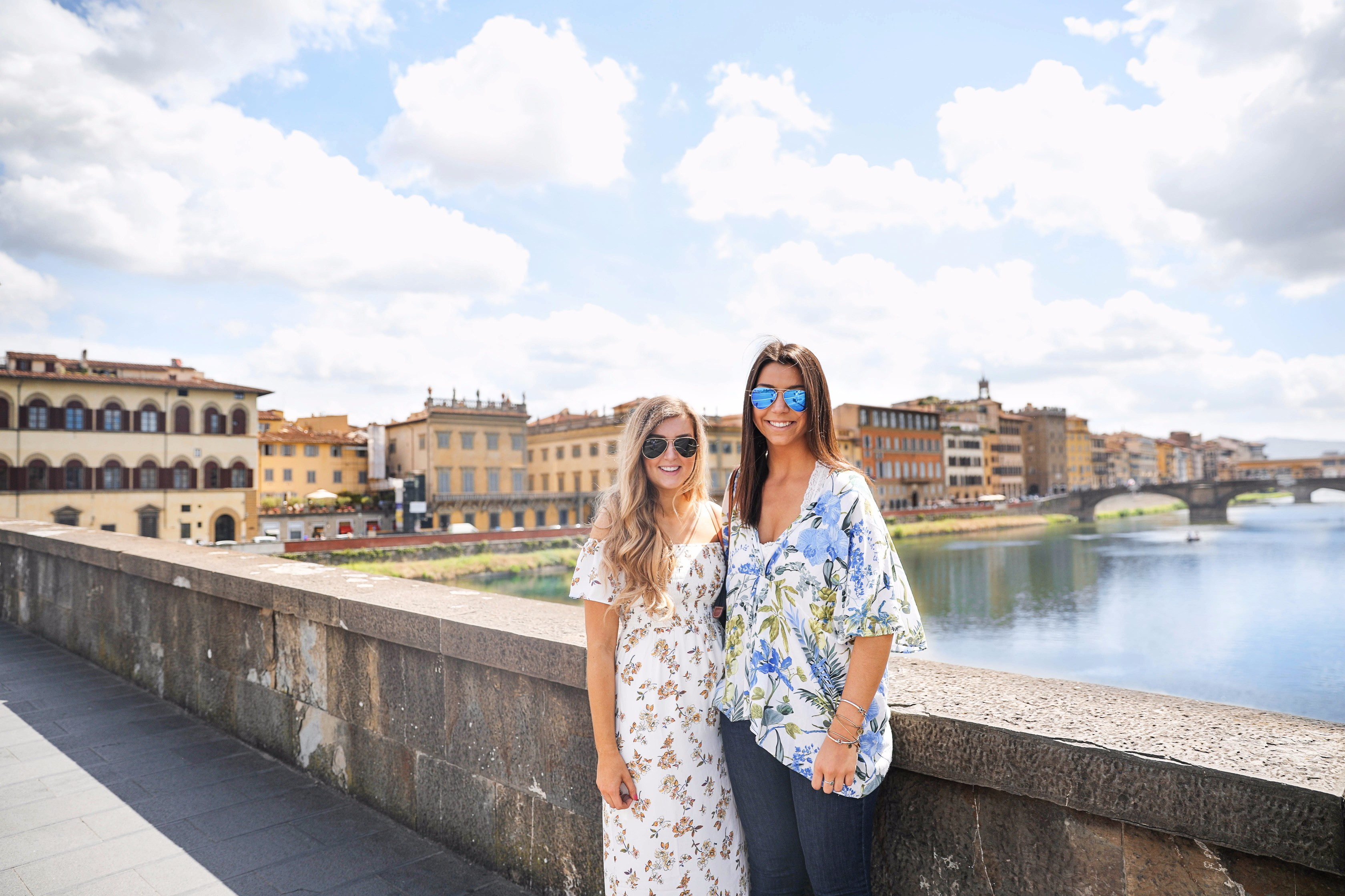 Florence, Italy travel guide with the best restaurants and places to see in florence! Also cute maxi dress outfit for florence, italy! By lauren lindmark by daily dose of charm dailydoseofcharm.com