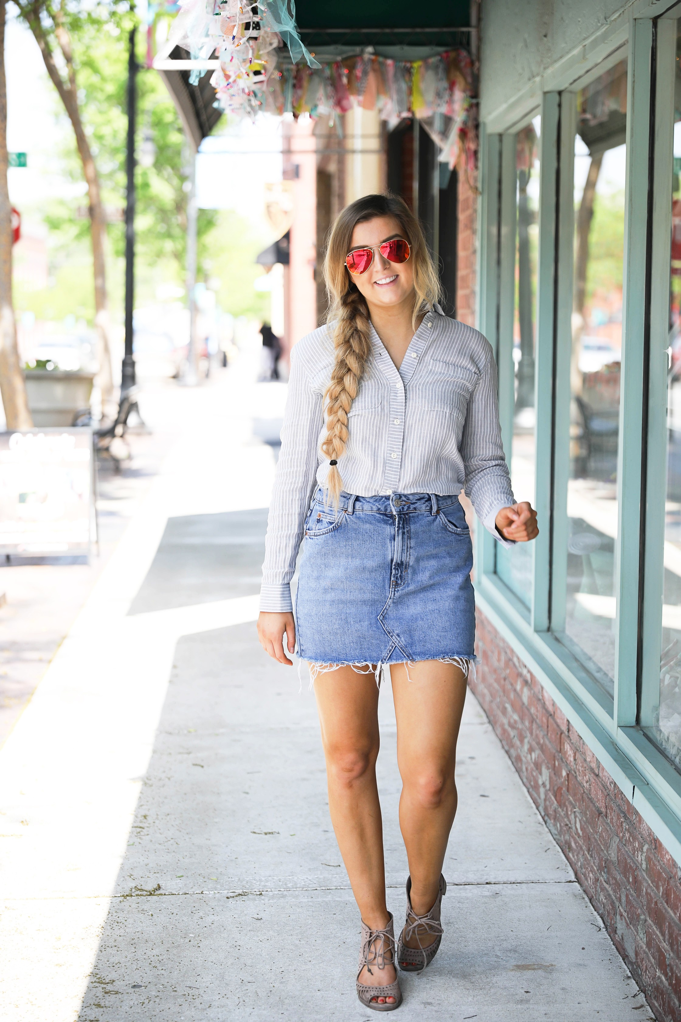 Jean skirt with oxford and ray ban sunglasses on fashion blog daily dose of charm by Lauren Lindmark dailydoseofcharm.com