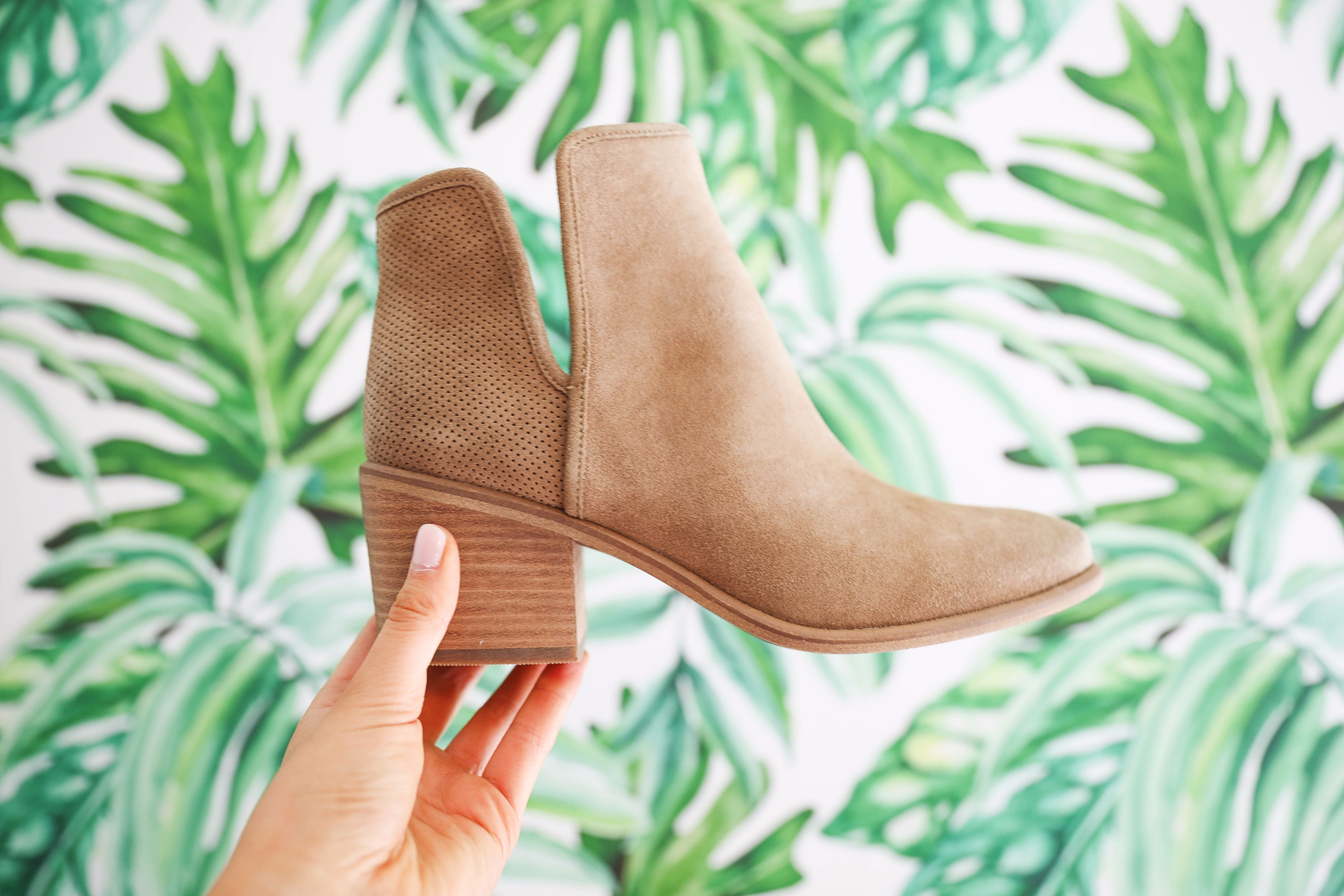 Nordstrom Anniversary Sale 2017! Level four try on haul and video on fashion blog daily dose of charm by lauren lindmark