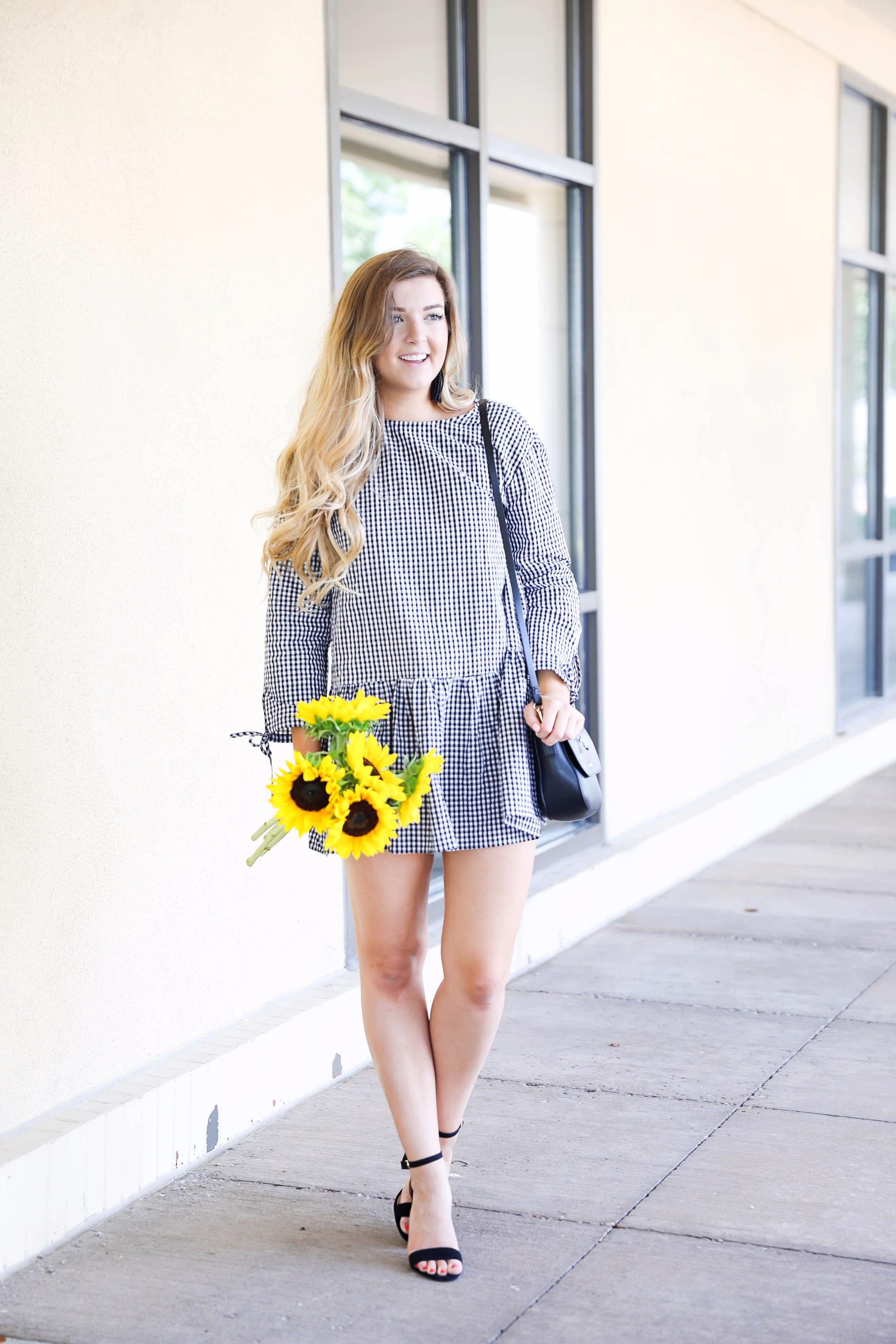 Sunflowers and gingham! The cutest low waist dress for summer transiting into fall. I can't get enough of this cute gingham dress! More details on fashion blog daily dose of charm by lauren lindmark