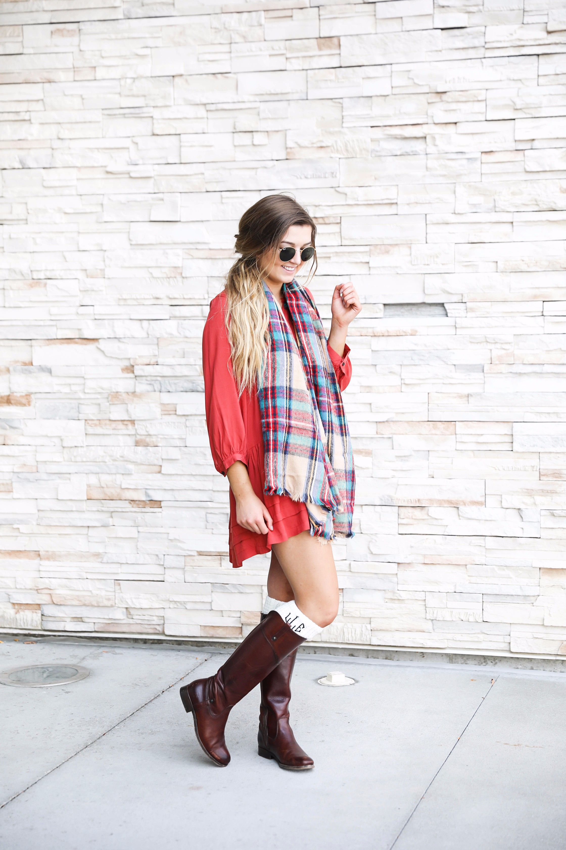 Coral button up dress for fall! I love a classic fall outfit like this, dresses with blanket scarves are so cute! I love the monogram boot socks to finish off the look with Frye boots! Find the details on fall fashion blog daily dose of charm bby lauren lindmark