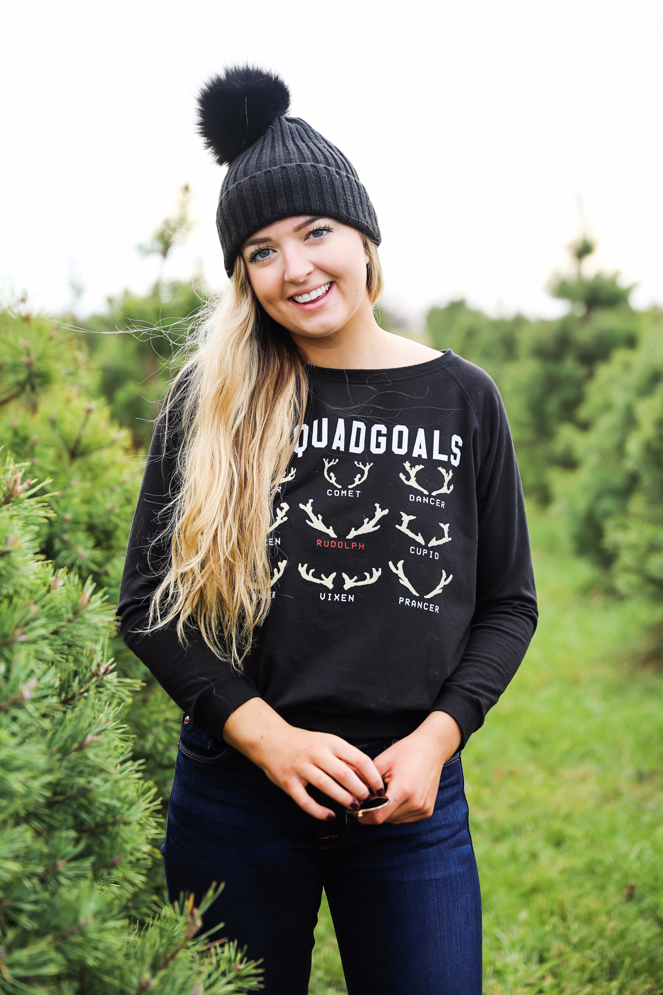 Christmas tree farm outfit idea! Squad goals with the reindeers shirt! Details on fashion blog daily dose of charm by lauren lindmark