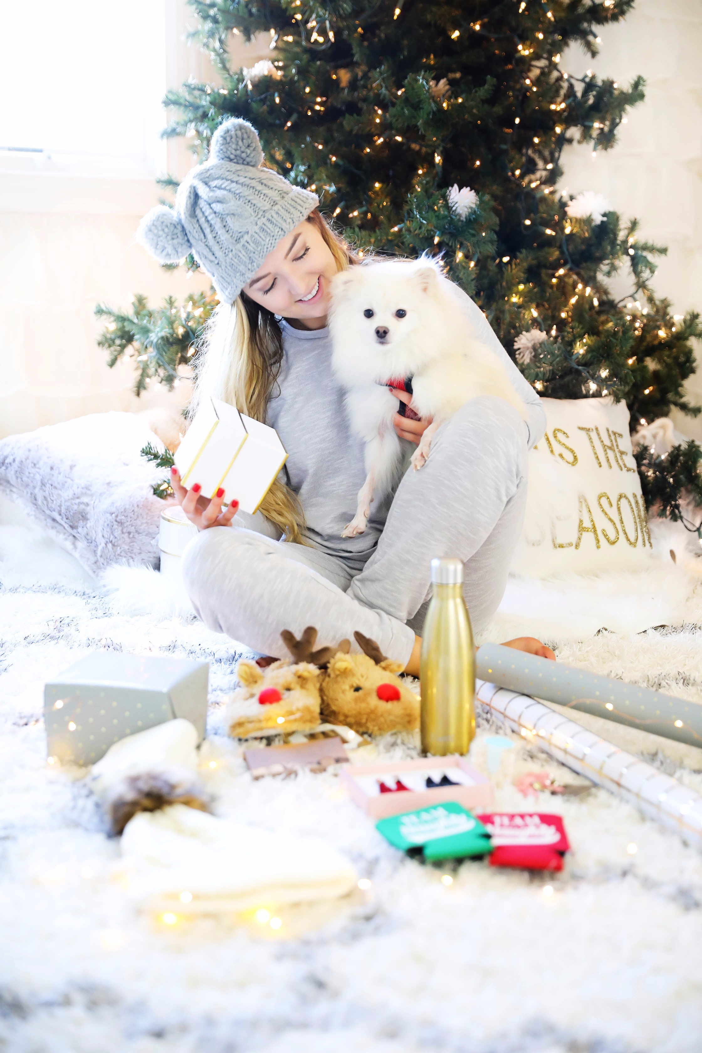 Stockings stuffer christmas ideas and huge holiday giveaway! Details on fashion blog daily dose of charm by lauren lindmark