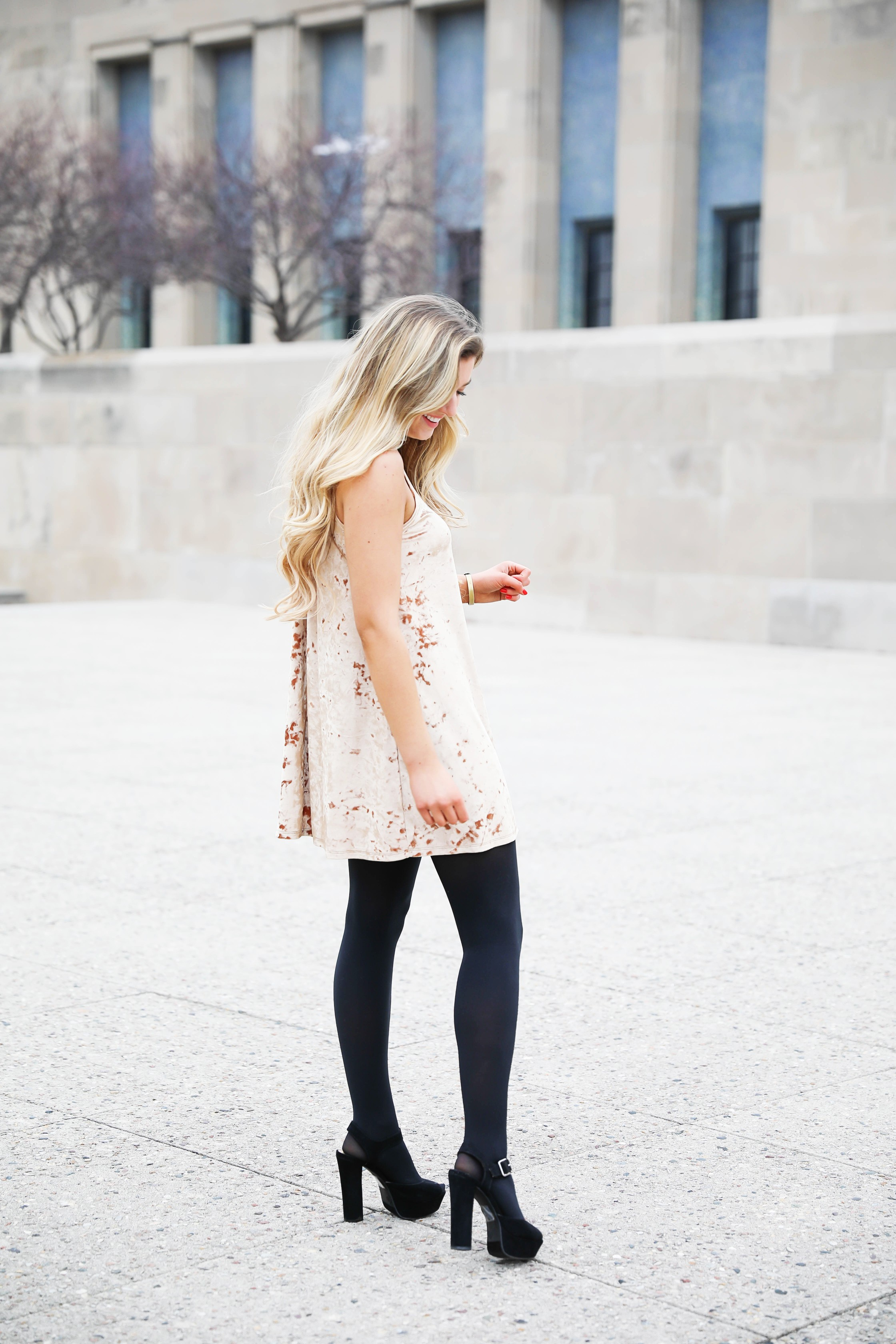 Velvet dress wtih black tights and black heels! The cutest new years eve outfit! Classy nye look! This dress holiday outfit is on the blog daily dose of charm by lauren lindmark! Click for details!