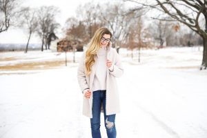 Nice winter coat! Winter coat roundup on the blog! I love this pink coat, it is sort of off white looking! Details on fashion blog daily dose of charm by lauren lindmark