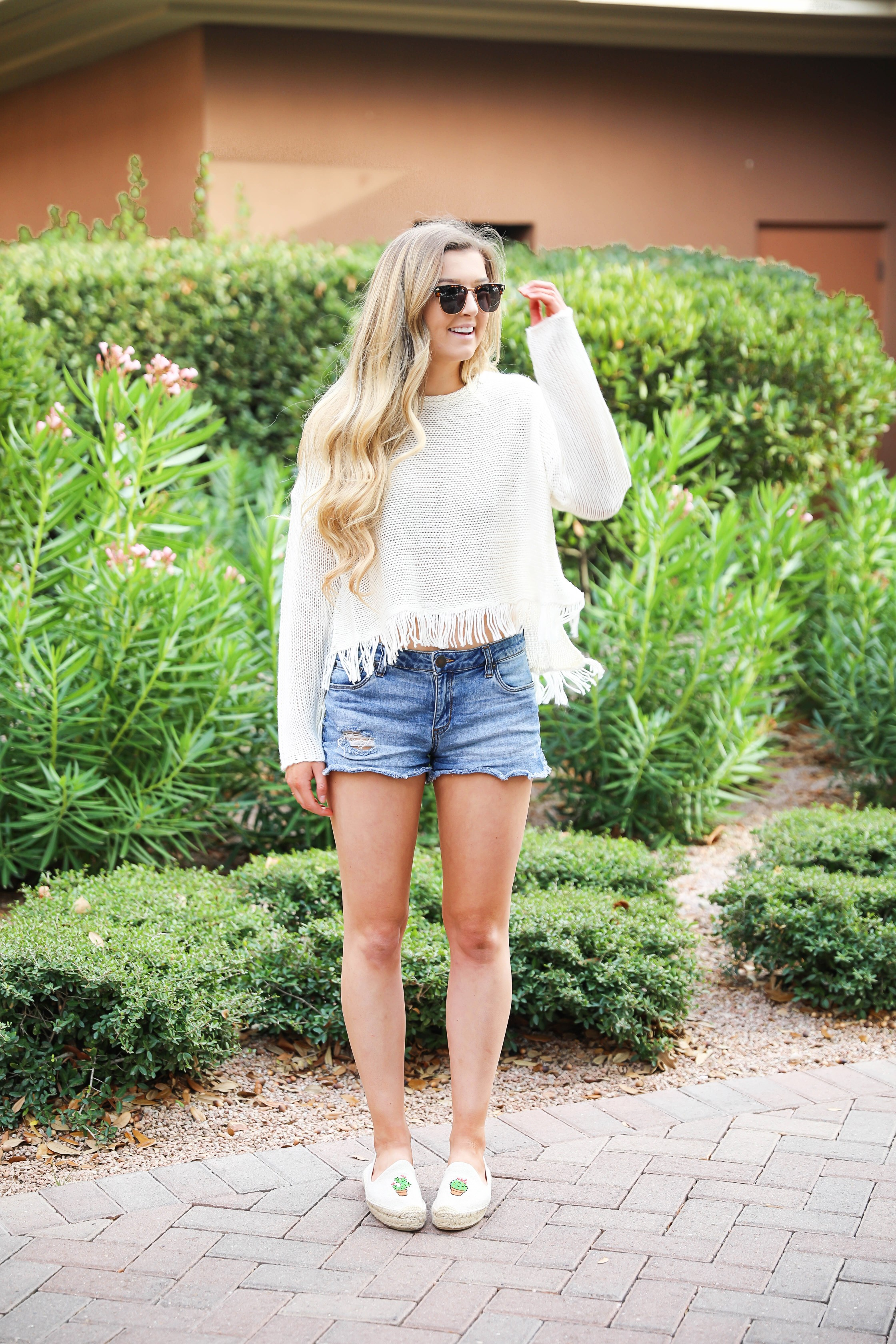 Fringe sweater from Show Me Your Mumu paired with my favorite catus espadrilles shoes! Perfect spring bring break outfit idea! Totally summer vibes on the blog right now! Details on fashion blogger daily dose of charm by lauren lindmark