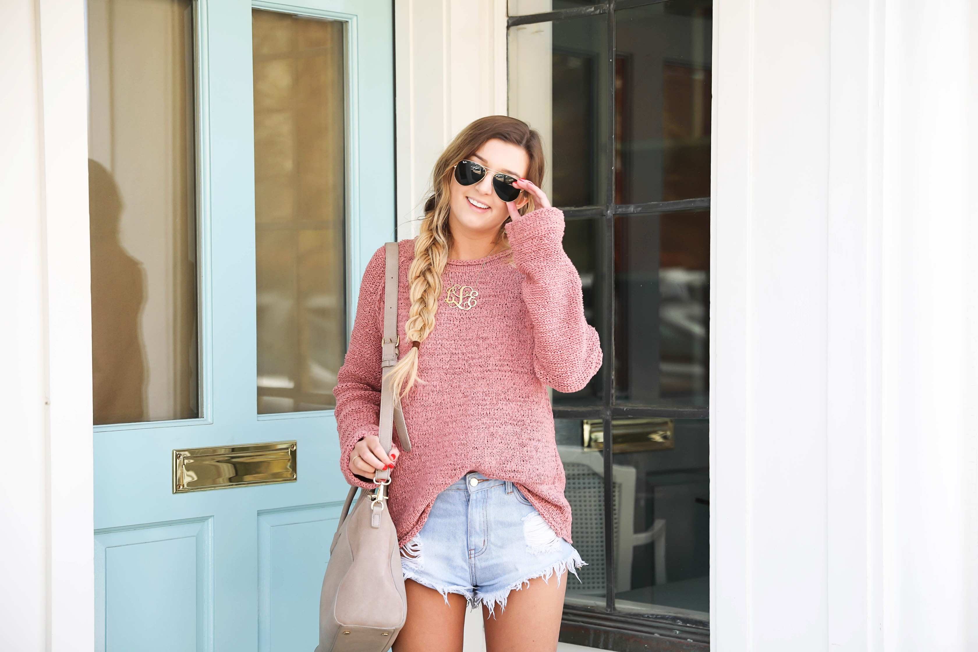 Coral open back sweater from a small boutique in Nashville! Paired with ripped denim shorts! Details on fashion blog daily dose of charm by lauren lindmark