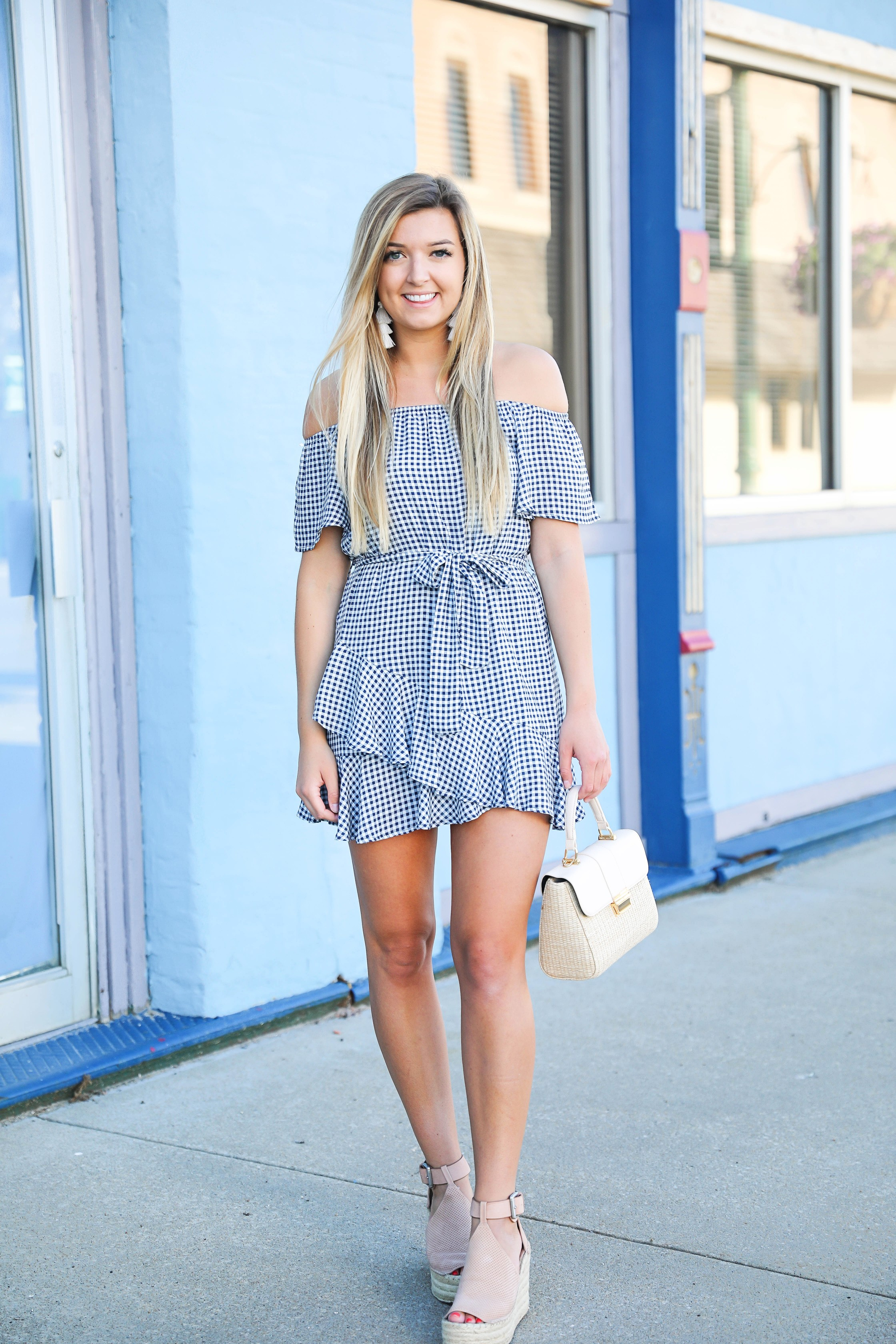 Gingham dress for summer! I love this dress from showpo, the tied waist is so flattering plus the off the shoulder look is so in right now! Get the dress details on fashion blog daily dose of charm by lauren lindmark
