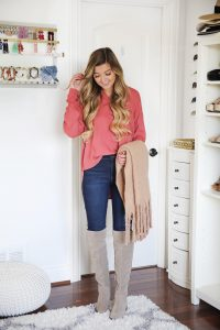 Nordstrom Annivery Sale 2018! Try on Haul photos and video! Fall outfit ideas fro the Nordstrom sale! Cute anniversary sale outfits! All the best beauty, shoes, bags, outfits, and more! Details on fashion blog daily dose of charm by lauren lindmark