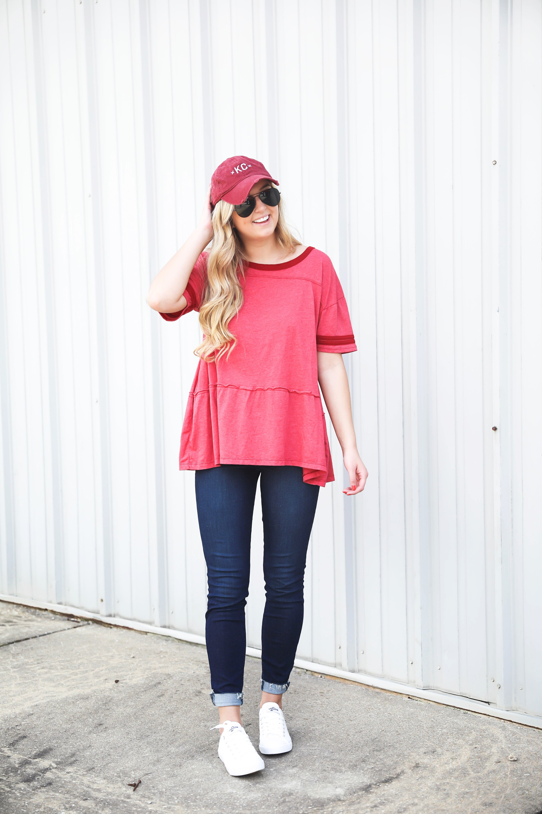 Kansas City outfit ideas! Cute KC top, this casual red top is perfect for chiefs games this fall! I am also sharing this cute outfit for Royals Games! This sequin KC royals shirt is so cute! Details on fashion blog daily dose of charm by lauren lindmark