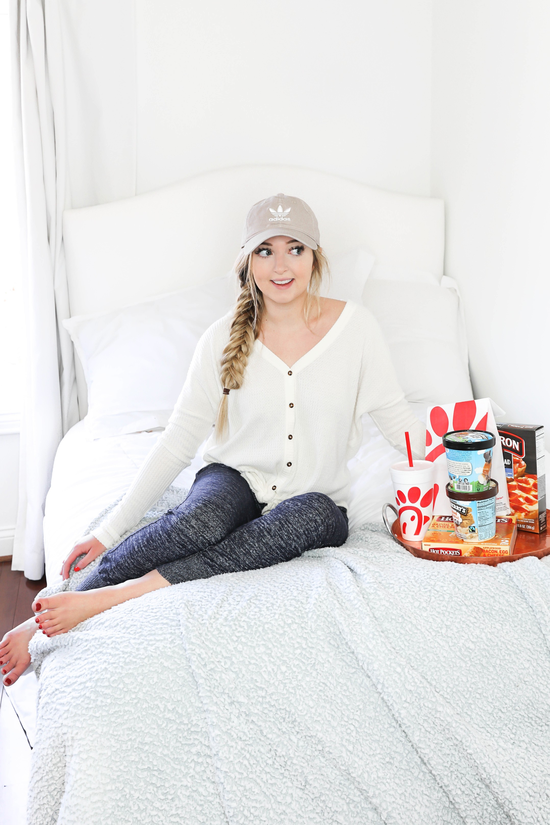 My review and journey of getting the Skyla IUD! My advice, including eating a lot of junk food, and answer all your questions! Details on lifestyle blog daily dose of charm by lauren lindmark