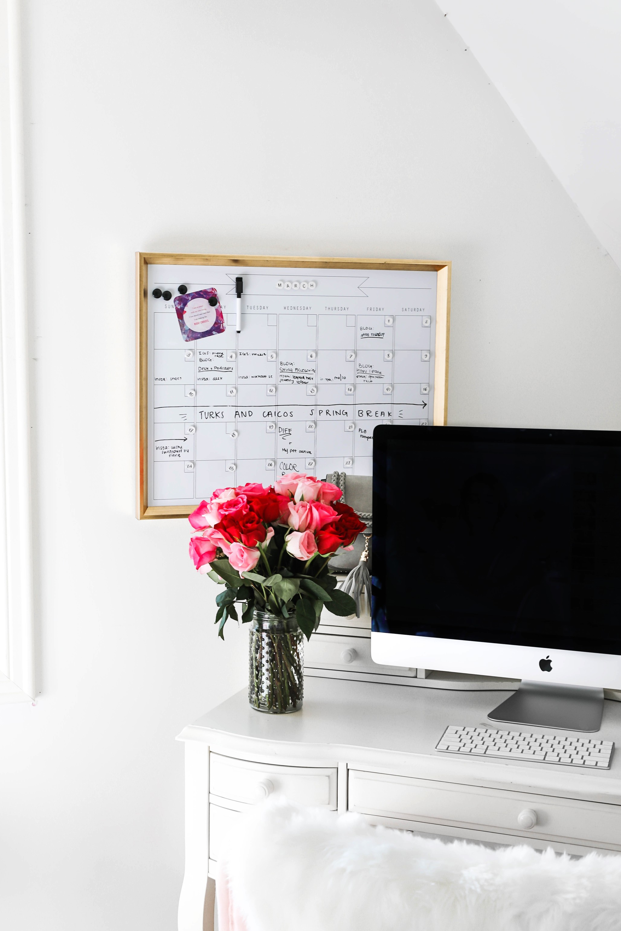 Amazon haul life hacks gold dry erase calendar lifestyle fashion blog daily dose of charm lauren lindmark