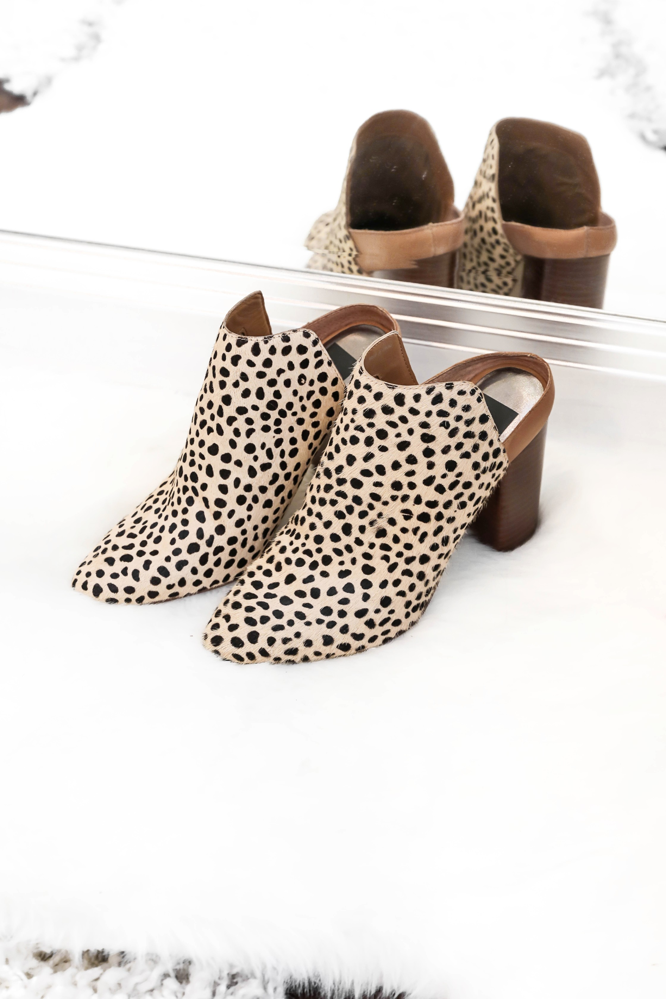 Spring shoe roundup 2019! All the cutest sandals, leopard heels, wedges, sneakers and more! All from target and Nordstrom! The cutest boutique photo Inso on white rugs! Details on fashion blog daily dose of charm by lauren lindmark