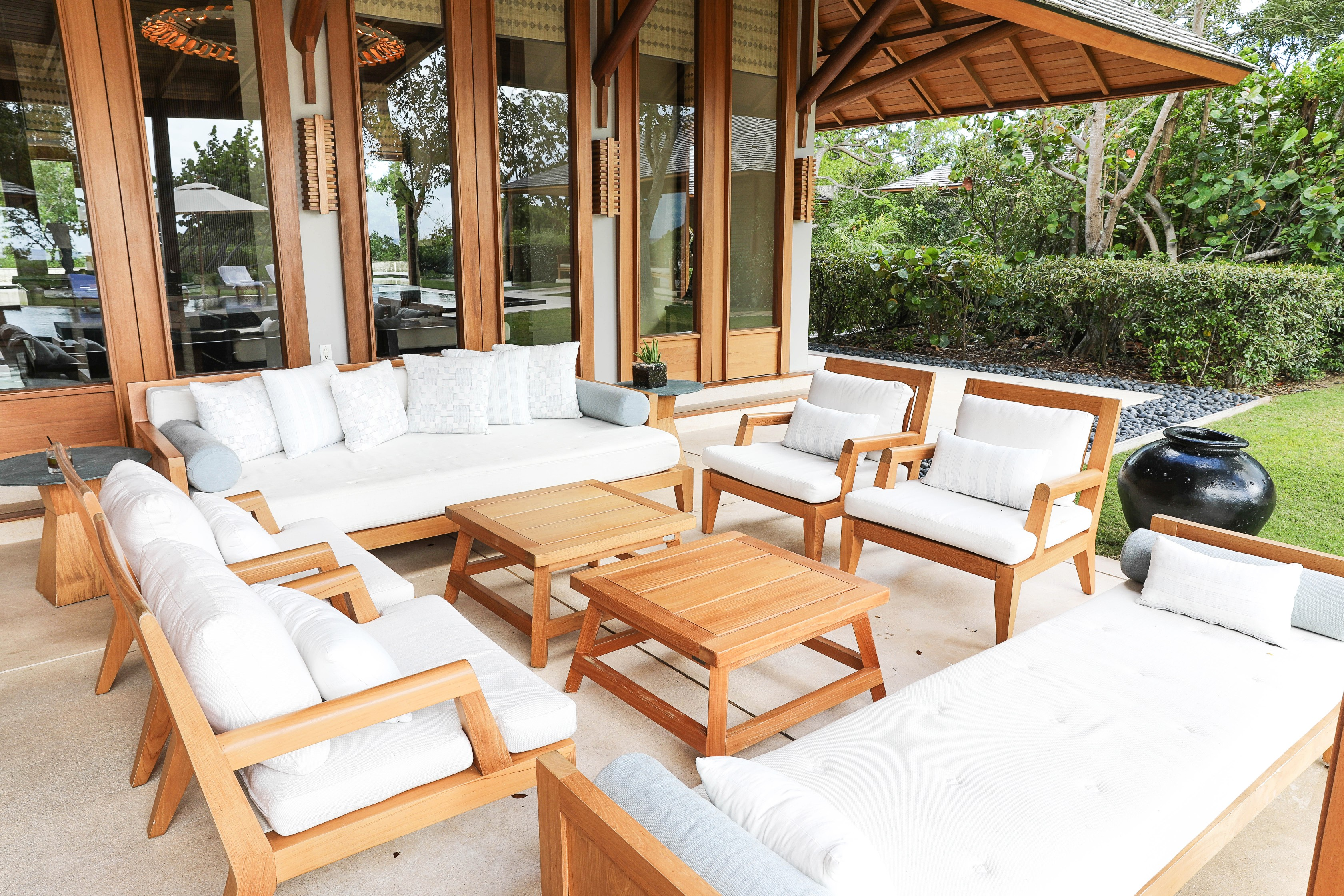 Turks and Caicos Amanyara hotel villa tour! The most beautiful six bedroom island home in the Caribbean! A really fun spring break destination at a luxury resort! Details on travel, fashion, and lifestyle blog daily dose of charm by lauren lindmark