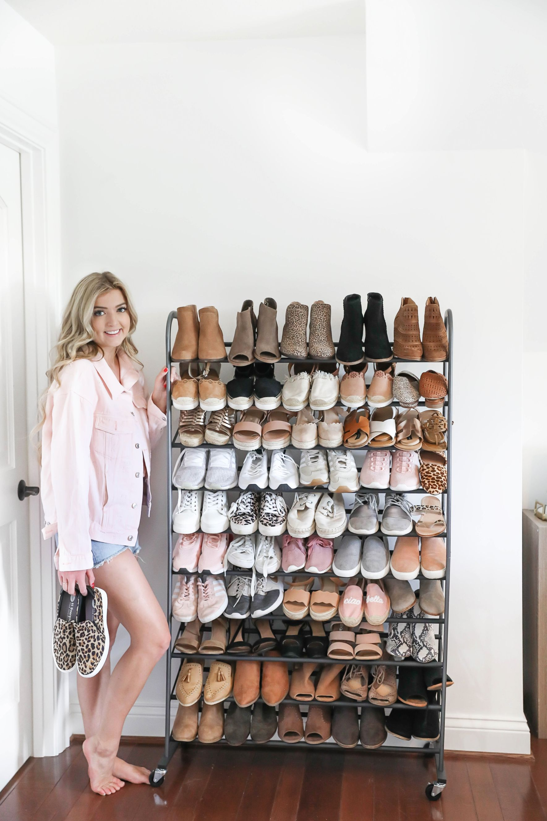 How to store a lot of shoes! The best organization hacks on fashion blog daily dose of charm by lauren lindmark
