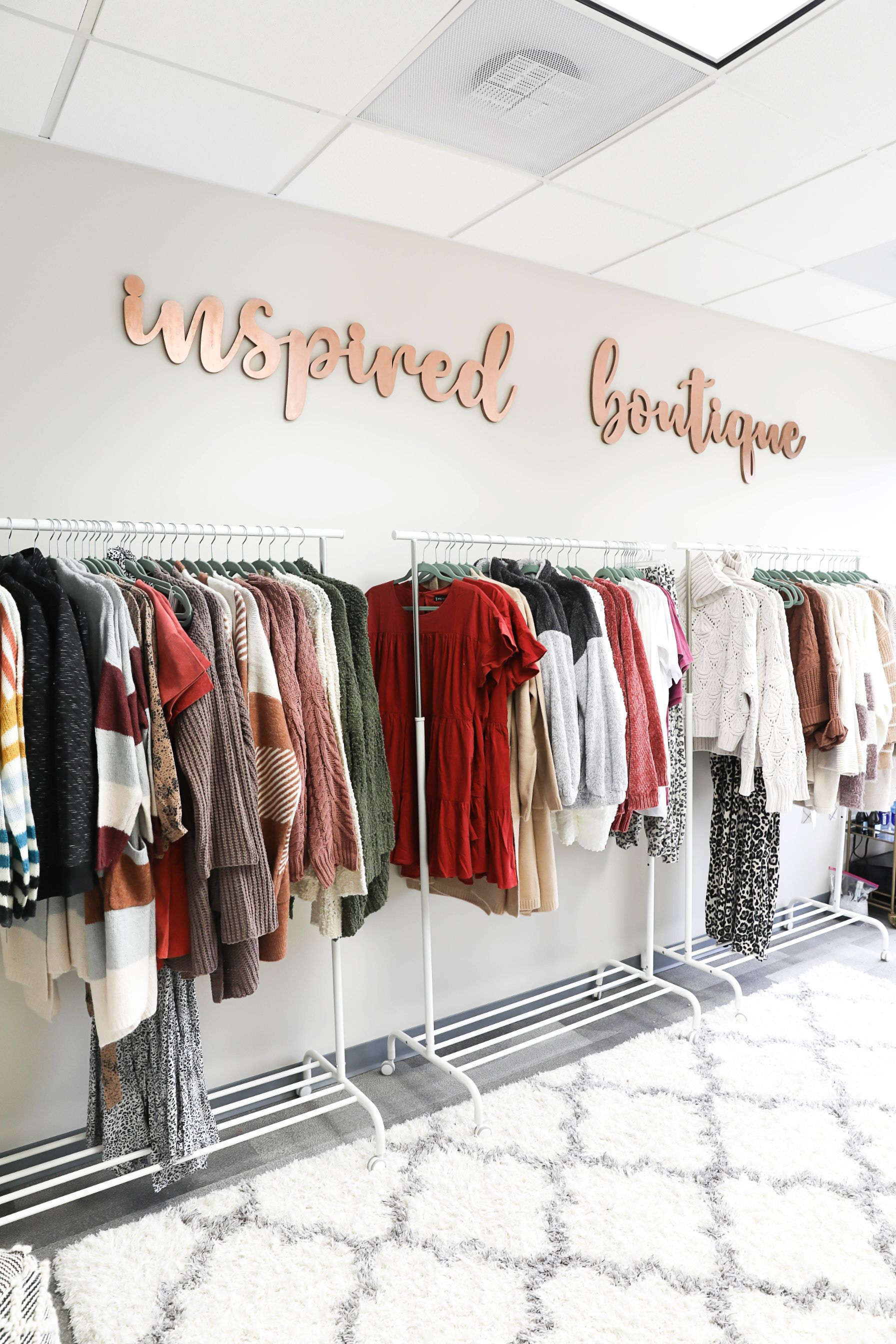Inspired Boutique office tour warehouse space behind the scenes fashion blog daily dose of charm lauren lindmark