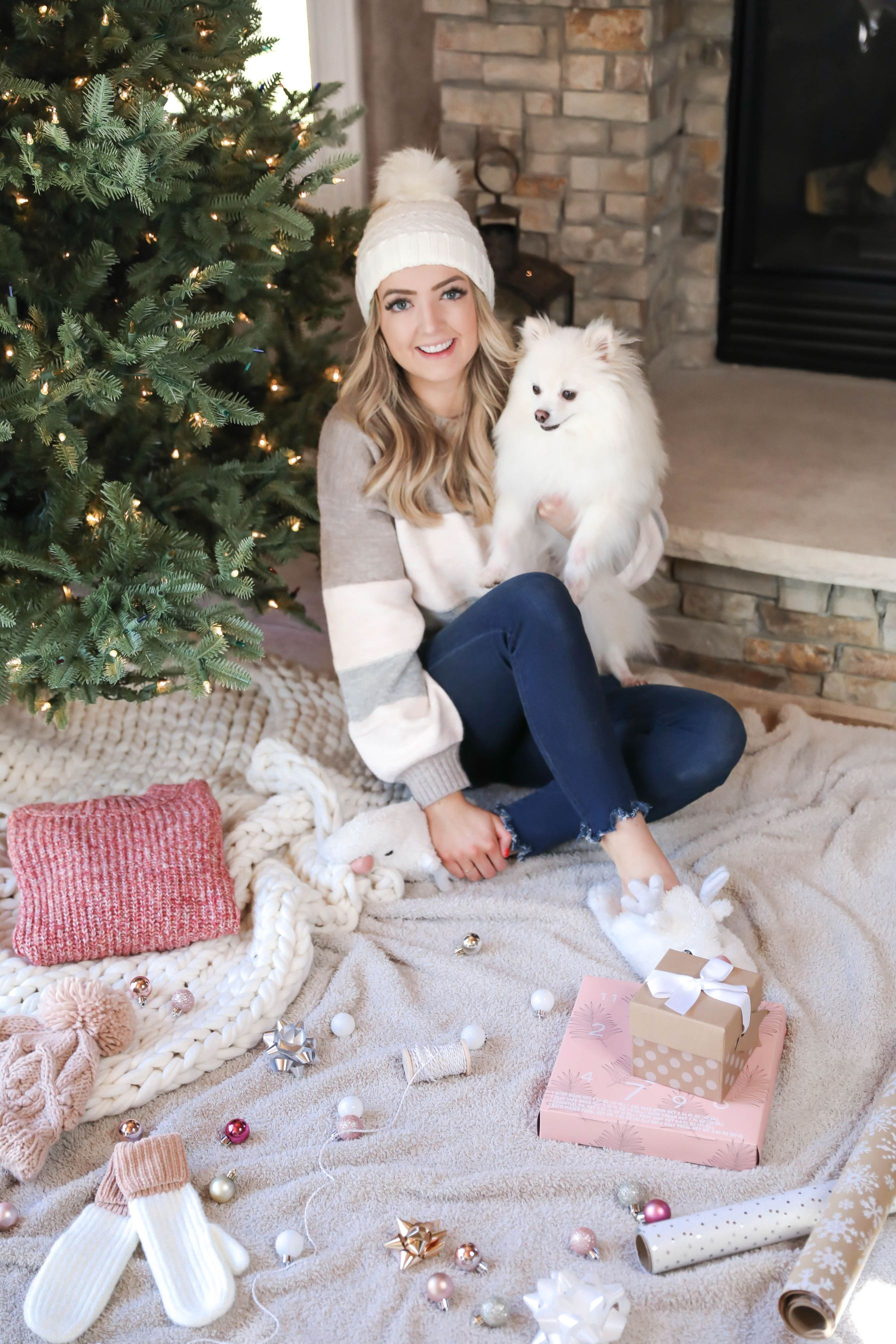 Christmas Gift Guides 2019 are here! I am giving you all the best present ideas for the holidays! Whether it's your mom, sister, best friend, dad, boyfriend, or more! Get ready for lots of great posts! Daily Dose of Charm by Lauren Lindmark